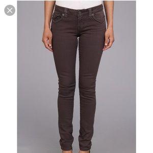 Mek light gray skinny jeans 26x32 good condition.